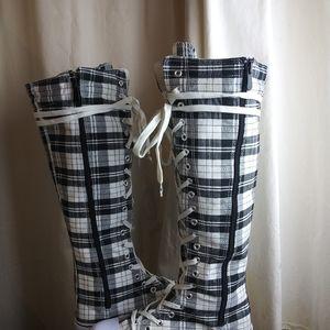 Chuck Taylor-Like Boots